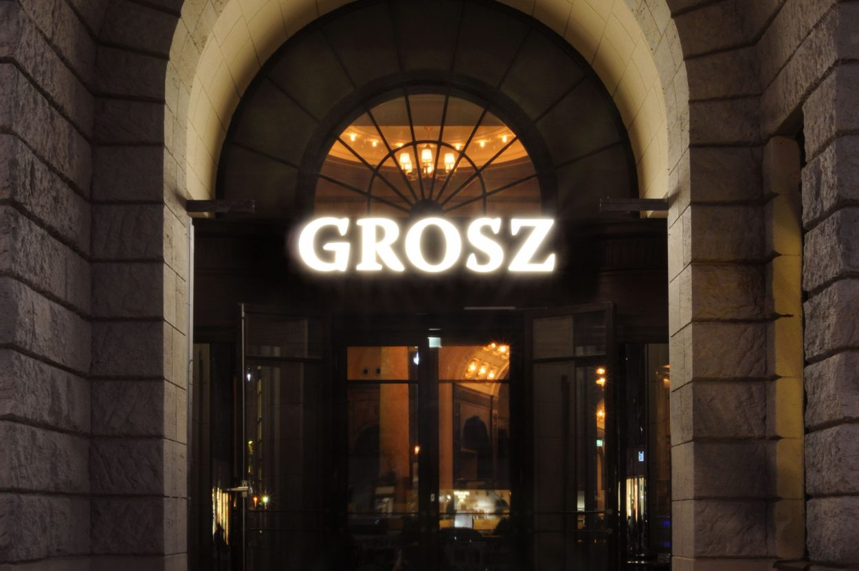 Eps51_GROSZ_outside-view